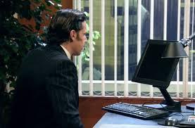 devant-son-ordinateur